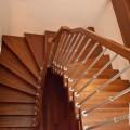 Лестница на больцах с косоуром (2)