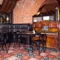 Мебель и отделка деревом в ресторане Казанский кот (2)