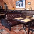 Мебель и отделка деревом в ресторане Казанский кот (4)
