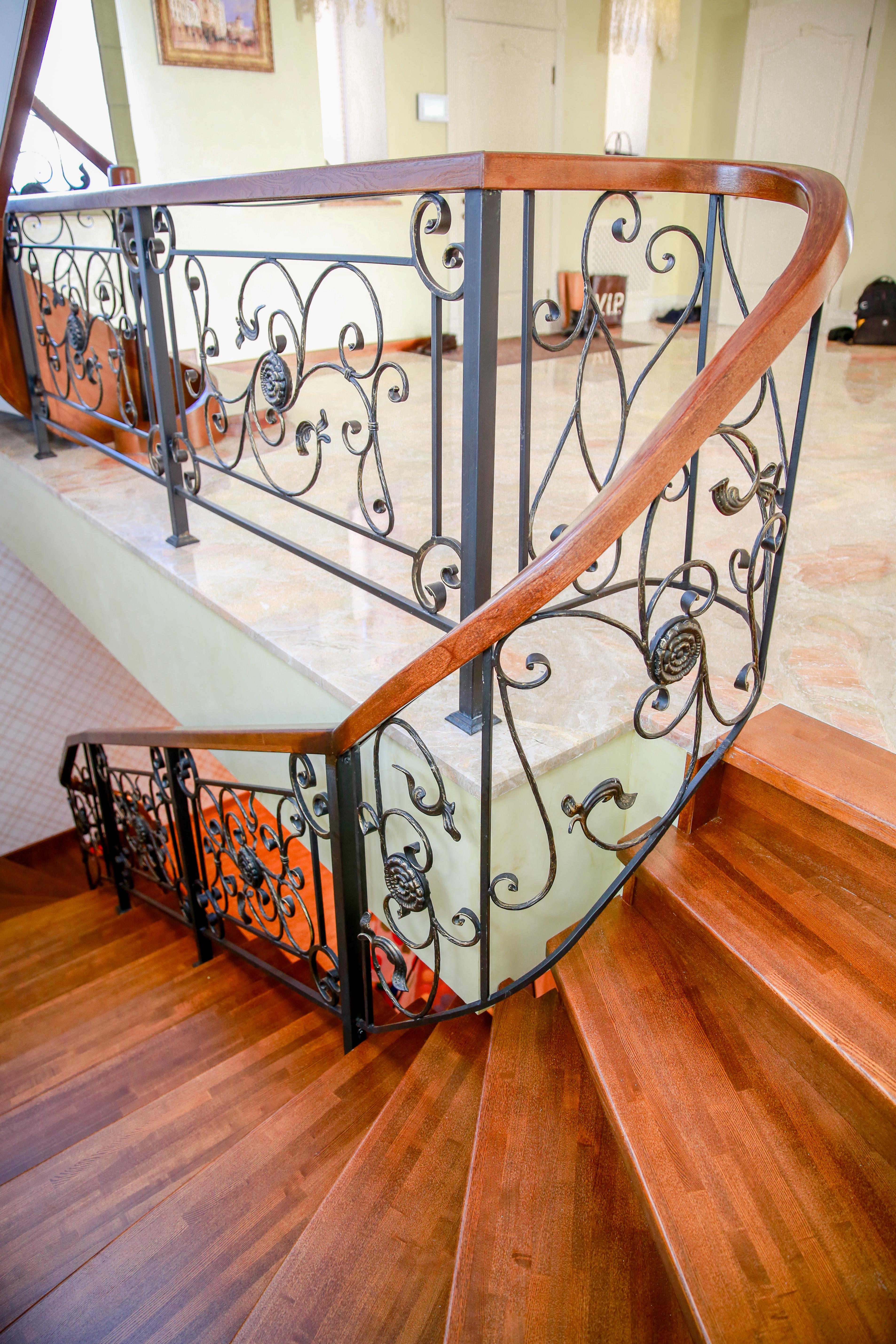 Лестницы на металлокаркасе2